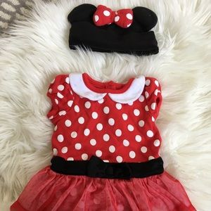 Disney Minnie Mouse dress and hat